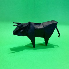 #origami #papiroflexia #paper #종이접기 #종이 #紙 #おリがみ #折り紙 #papercraft #paperart #papersculpture #papel #creacionesorigami #paperfolding #buey #ox #boeuf #boi #牛 #황소 (rodrigo_s_j) Tags: origami papiroflexia paper 종이접기 종이 紙 おリがみ 折り紙 papercraft paperart papersculpture papel creacionesorigami paperfolding buey ox boeuf boi 牛 황소