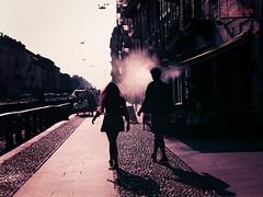 purple rain (mara.ortuso) Tags: controluce coppia coupple lomopurple milano silhouette navigli vapore streetphotography