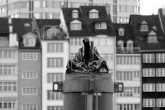 Der Tod von Basel ©twe2018☼ (theWolfsEye☼) Tags: thewolfseye skulptur sculpture death tod sw bw baselcity baselstadt basel schweiz switzerland dertodvonbasel
