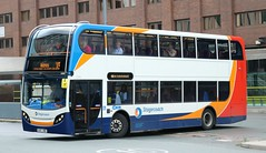 Stagecoach Merseyside (Glenvale Transport) 15595 GX10HBD at Liverpool One Bus Station with an X5 service to Widnes. (Gobbiner) Tags: scanian230ud 15595 adl stagecoachmerseyside liverpoolone gx10hbd enviro e400 widnes x5 stagecoachsouth coastliner700