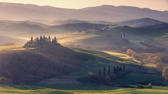 Dreamscape (Andrew G Robertson) Tags: pienza val dorcia orcia mist sunrise dawn belvedere rolling hills morning