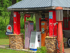 Toys For Boys - Old Gas Pumps, 15 July 2019 (photography.by.ROEVER) Tags: minnesota 2019 july july2019 vacation roadtrip 2019vacation 2019roadtrip minnesota2019roadtrip minnesota2019vacation parkrapids hubbardcounty toysforboys toysforboyscollectibles store morning gaspumps oldgaspumps usa