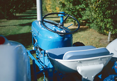 Shiny blue Fordson tractor (mdpF2) Tags: leica mp ultron 352 asph kodak ektachrome e100 tetenal film fordsonsuperdexta tractor farmmachinery