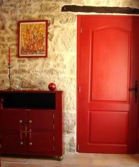 Meuble chinois de l'entrée N°4 (François Matusiak) Tags: meublerouge meublechinois porterouge entrée tableauabstrait bougie longère vendée tommettes linteau lagrassinière