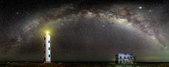 Spelonk (Elizabeth Bennett and Gérard Cachon) Tags: bonaire caribbean dutch island netherlandsantilles milkyway night stars lighthouse jupiter saturn planet spelunk panorama rokinon f14 24mm stitch pano spelonk ocean sea nightscape dark sky arch flash quarters keeper boca delta aquariids meteor shower vertical rock window ruin old 1910 lightpainting painting light