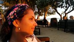 Sunset on Ginette (Hanna La Nouille) Tags: sunset coucher de soleil plage beach réunion run paradis paradisiaque visage illuminé sable les pieds dans leau bandeau sourire bonheur