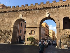 Rome, Italy, 2018 (From Manhattan to Havana) Tags: rome rooma roma italia italy passetto di borgo