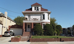 Bay Ridge (neilsonabeel) Tags: nikonfm2 nikon nikkor film analogue brooklyn newyorkcity bayridge house