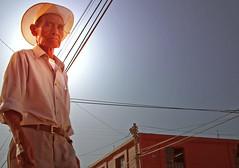 Retrato contrapicado (Harry Szpilmann) Tags: oaxaca people portrait mexico mexique streetphotography