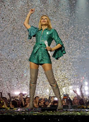 Kylie Minogue - Golden Tour - Motorpoint Arena - Nottingham - 20.09.18. - ( 099 ) (J.E.T. 603) Tags: kylie minogue kylieminogue golden tour motorpointarena nottingham live music concert performance gig 2018