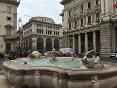 Rome, Italy, 2018 (From Manhattan to Havana) Tags: rome rooma roma italia italy fontana piazza colonna