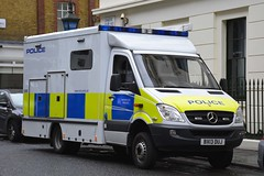 BX13 DUJ (S11 AUN) Tags: london metropolitan police met mercedesbenz merc sprinter specialist response patrol incidentresponsevehicle irv cbrn chemical biological radiological nuclear 999 emergency vehicle bx13duj