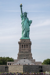 The Statue of Liberty (MrStuy) Tags: newyork statueofliberty ladyliberty libertyisland statue monument people