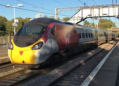 Virgin Trains WC Class 390 (390011) - Uddingston (saulokanerailwayphotography) Tags: pendolino virgintrains 390011 class390