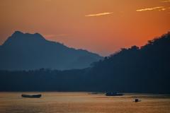 Luang Prabang – Mekong River sunset (Thomas Mulchi) Tags: luangprabang laos 2019 river mekong rivermekong mountain sunset boat boats happyplanet asiafavorites