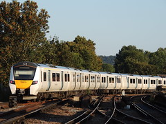 A Thameslink Class 700 leaves Herne Hill, London (Steve Hobson) Tags: herne hill london thameslink 700 tsgn