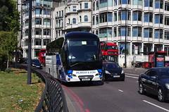 IMGP3672 (Steve Guess) Tags: parklane london england gb uk bus coach murrays neoplan ou19xxy