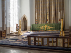 Guildford Cathedral-F9170332 (tony.rummery) Tags: altar building cathedral christian church congregation em5mkii faith gathering guildford interior mft microfourthirds omd olympus religious worship england unitedkingdom