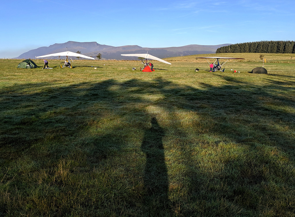 Long shadows ahead of our early morning Lakes tour