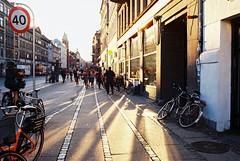 (Jill Slater) Tags: 35mm film canonae1 canonfd canonfd35mmf2ssc kodakektar100 copenhagen denmark københavn danmark street light summer autumn