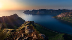 Catch the Last Rays (One_Penny) Tags: nature landscape hiking mountainscape canon6d norway photography scandinavia sunset sun sunrays stefanklaukephotography sky mountain colors evening scenery rocks view fjord senja troms