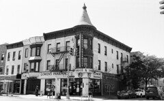 Bay Ridge (neilsonabeel) Tags: nikonfm2 nikon nikkor analogue film brooklyn newyorkcity bayridge blackandwhite building