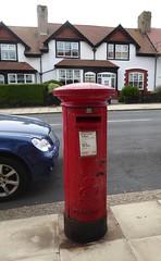 Postbox LA14 8 (The3Winds) Tags: postbox barrowinfurness g6r walney lion