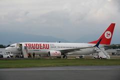 C-GTQB Transat B737-800 (Vernon Harvey) Tags: cgtqb boeing 737 transat liberal vancouver yvr