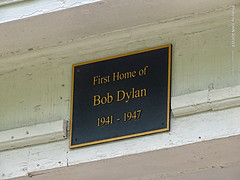Bob Dylan Boyhood Home, 17 July 2019 (photography.by.ROEVER) Tags: minnesota 2019 july july2019 vacation roadtrip 2019vacation 2019roadtrip minnesota2019roadtrip minnesota2019vacation duluth stlouiscounty house duplex boyhoodhome bobdylanboyhoodhome bobdylan robertzimmerman 519norththirdavenue 519n3rdavenue 519n3rdave firsthomeofbobdylan 19411947 usa