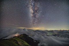合歡山主峰~銀河雲海~  Milky way on clouds (Shang-fu Dai) Tags: 台灣 taiwan 南投 nikon sonya7r2 sky landscape formosa galaxy 銀河 星空 3417m 主峰 戶外 雲 天空 milkyway 合歡山 mthehuan