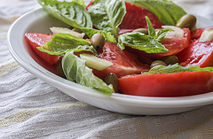 Tomatoes, Olives and Basil leaves (pasquale di marzo) Tags: food pomodori olive basilico colore macro 2019