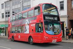 VW1040 LK10 BXH (ANDY'S UK TRANSPORT PAGE) Tags: buses metroline london richmond
