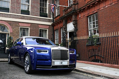 Rolls-Royce Phantom VIII EWB (R_Simmerman2) Tags: rollsroyce phantom viii ewb rolls royce united kingdom uk mayfair harrods knightbridge parklane sloane street hyde park valet parking garage hotel combo supercars sportcars hypercars londoncars carsoflondon supercarsoflondon