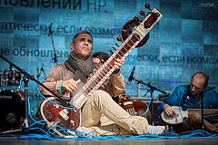 _MG_9239 (Mikhail Lukyanov) Tags: concert show street musician man ensemble sitar folk ethnic ancient blue indian