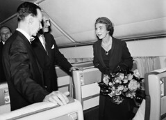 The Queen - Kastrup Airport (SAS Museum - Norway - Images not to be used withou) Tags: sas airports copenhagencph 1960s inaugurals dc8 royalvisits vips aircraft københavn sjelland denmark