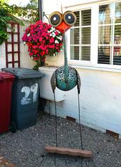 September 14th, 2019 Garden ornament (karenblakeman) Tags: caversham uk gardenornament sculpture emu metal september 2019 2019pad reading berkshire