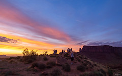 take pictures in the sunset light (kleiner_eisbaer_75) Tags: monument valley usa sonne sun sunset sonnenuntergang farben colors selfies