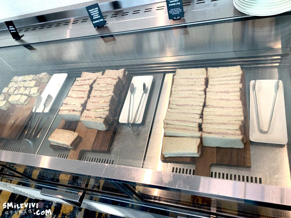 食記∥新加坡樟宜機場第3航廈華航MARHABA貴賓室位置不多人卻很多吵雜混亂不優 14 48768573698 2acf5cd029 o