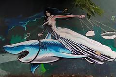 La Justice, transpercée par son glaive, entraînée par les requins (Edgard.V) Tags: brasil brésil brasile brazil rio de janeiro rj street art urban arte urbano mural callejero justice requin tubarão justiça pesce cane giustizzia gladio espada sword