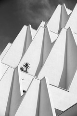 nouvelle perspective (fred9210) Tags: building blackwhite contrast rythm