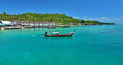 Phi phi island (meren34) Tags: phiphi thailand sea travel island boat horizons south asia