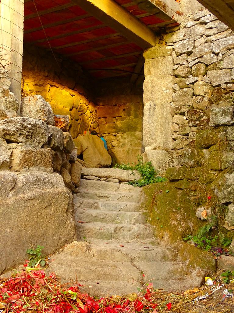 Águas Frias (Chaves) - ... escadas (escondidas) de acesso `da Rua da Paz à Rua de Cimo de Vila ...