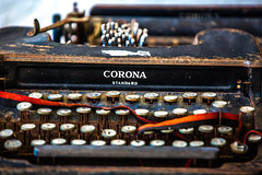 Can't Type You a Letter on a Broken Typewriter (Thomas Hawk) Tags: baja bajacalifornia cabo cabosanlucas loscabos mexico museodelacasadecultura museum todossantos typewriter fav10
