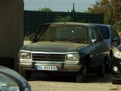 Peugeot 504 GL Berline Vias (34 Hérault) 30-08-19a (mugicalin) Tags: peugeot peugeotcar peugeotcars peugeotclassic peugeot504 504berline peugeot504berline peugeot504gl greycar voituregrise silvercar fujifilm fujifilmfinepix fujifilmfinepixs1 s1 finepixs1 finepix 34 hérault vias dl 933 eq 2019 french classiccar youngtimer 10fav