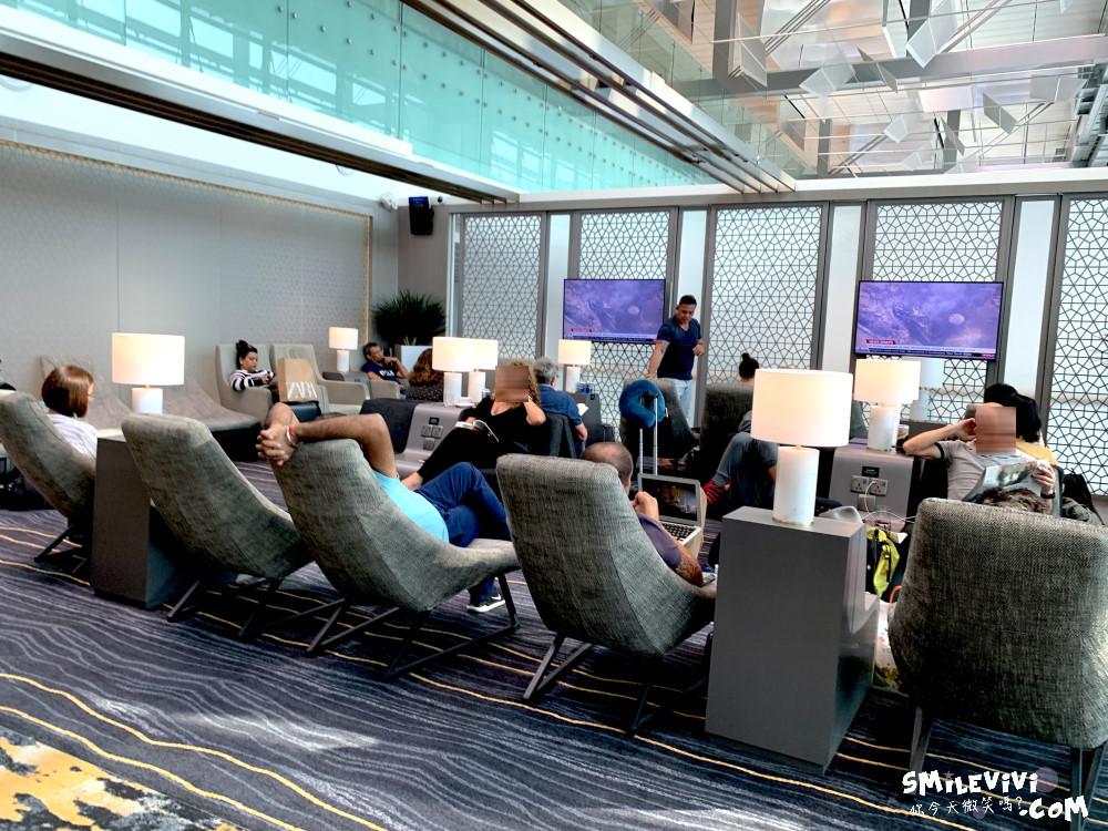 食記∥新加坡樟宜機場第3航廈華航MARHABA貴賓室位置不多人卻很多吵雜混亂不優 8 48769106002 71cb81aa6e o