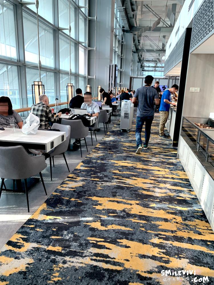 食記∥新加坡樟宜機場第3航廈華航MARHABA貴賓室位置不多人卻很多吵雜混亂不優 9 48769106047 69c3f99985 o