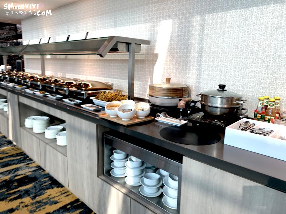 食記∥新加坡樟宜機場第3航廈華航MARHABA貴賓室位置不多人卻很多吵雜混亂不優 16 48769106547 1ce11942d9 o