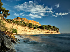 Cassis (fabsit) Tags: france cassis sunset goldenhour sea cloud bluesky wave landscape seascape polarizer longexposure