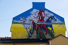 21092019-DSCF2221-2 (Ringela) Tags: dalahästar ludvika september 2019 sweden dalarna dalécarlie mural fujifilm xt1 dalecarlian horse cheval de shai dahan