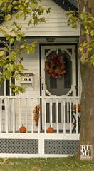 Halloween in Niagara (rumimume) Tags: rumimume 2019 niagara ontario canada photo canon 80d halloween yard decoration fall auntumn outdoor orange october31 home house pumpkin wreaths